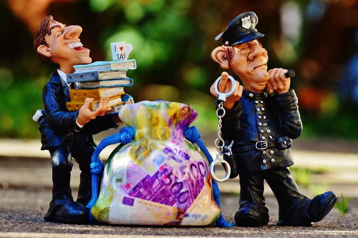 Ce-i uraţi poliţiei de ziua profesională? #palavre