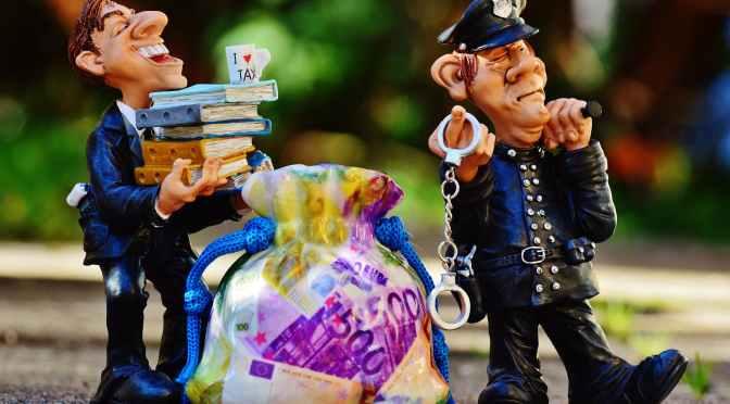 Polițiști, fac și spun lucruri trăsnite