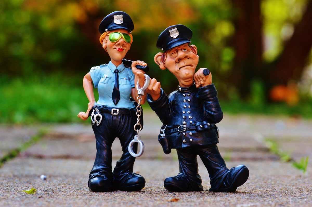 Am fost sechestrat şi buzunărit de poliţia cu radar