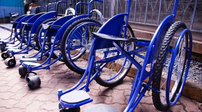 Revoltaţi că statul îi pune să treacă repetat controlul dizabilităţii