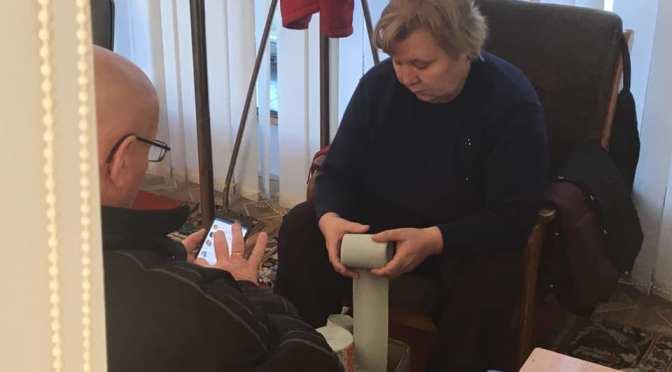 Garderobiera de la Guvern continuă să ruleze hîrtia igienică manual