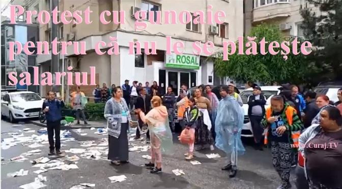 Protest cu gunoaie pentru că nu li se dau salariile
