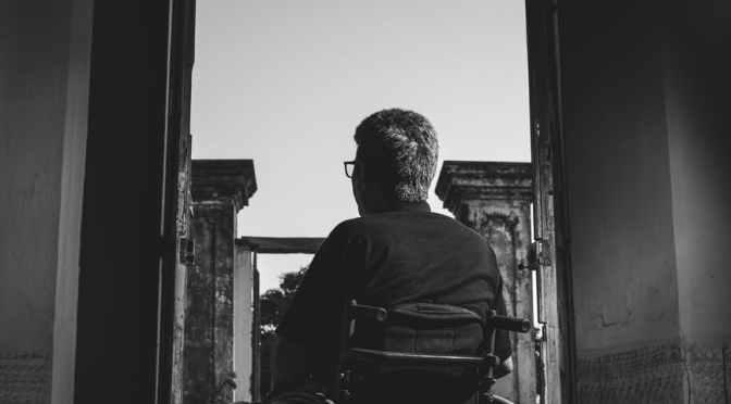 E discriminat de instituții de stat pentru dizabilitate